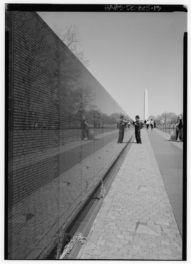 Vietnam_War_Memorial_Washington_DC_Maya_Lin